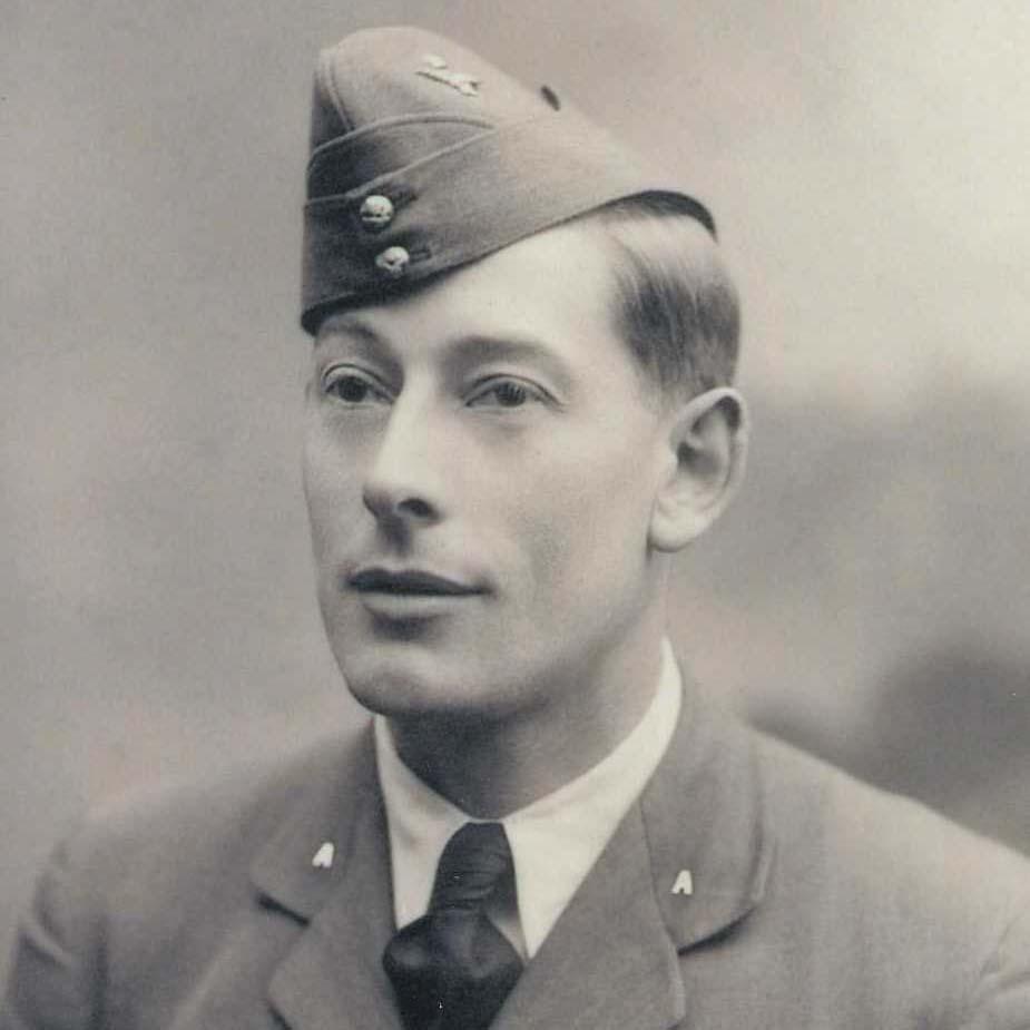 F O Gilbert Francis Moncrieff WRIGHT, Pilot