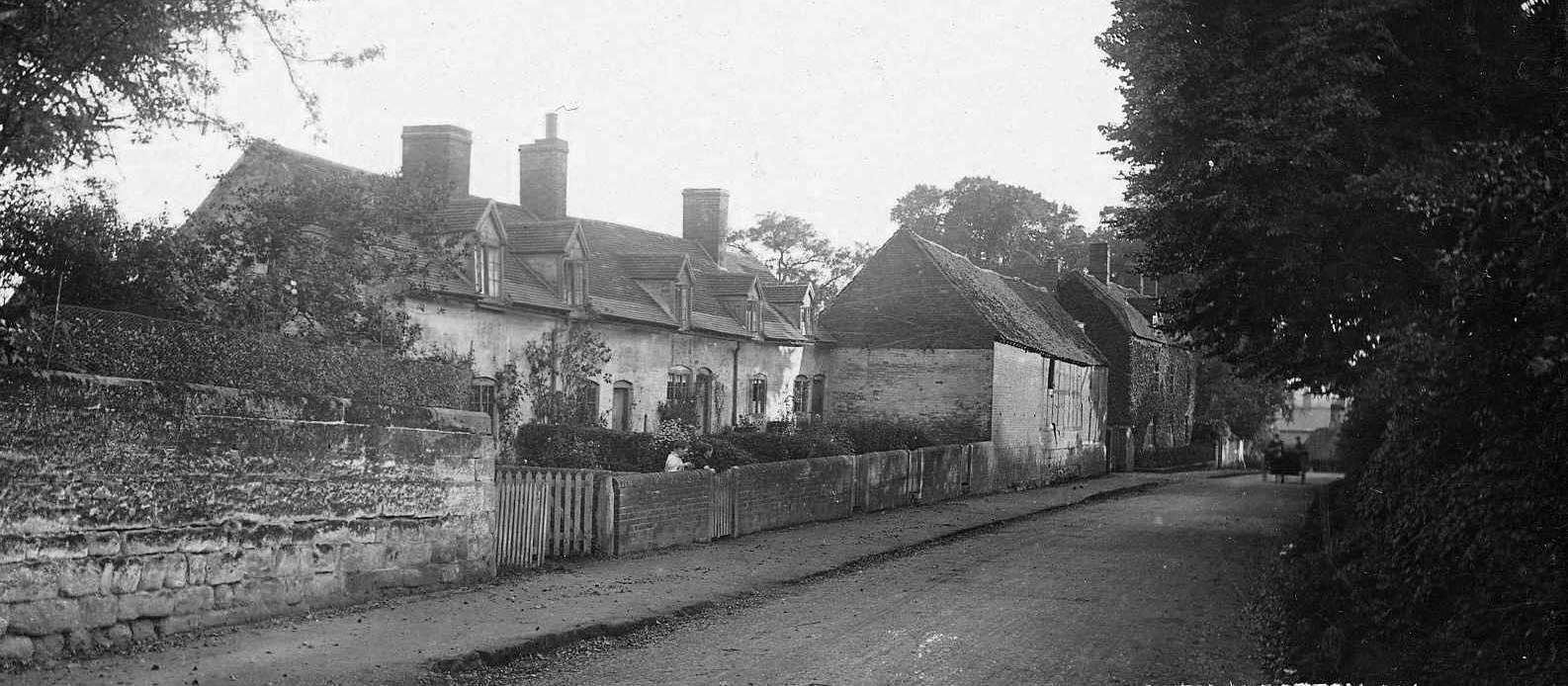 Elms Farm Cottages (demolished)